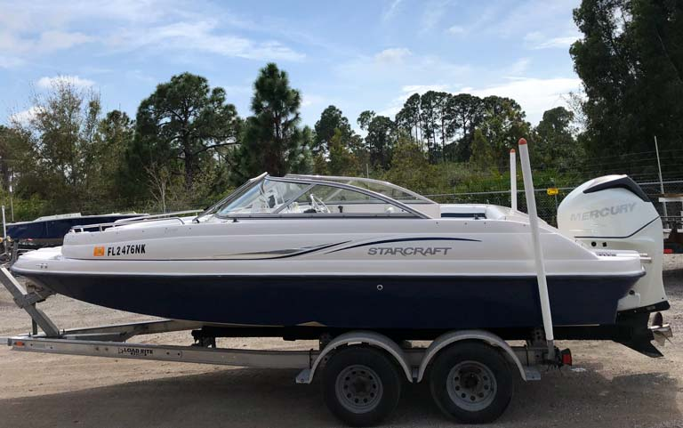 20' Starcraft Deck Boat on Trailer