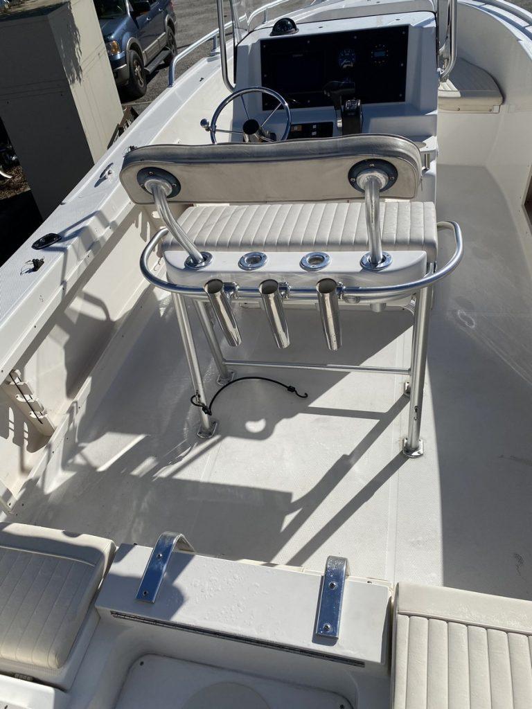 21' Mako fishing rod holders